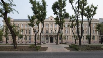 9 millió forinttal húzta le diákjait egy tanár, börtönbe mehet