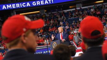 Trump jövőre újra elindul az elnökségért