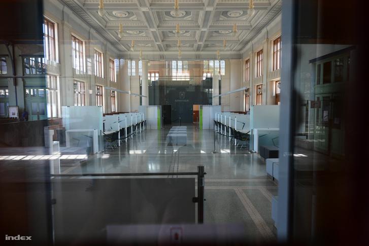 A Nyugati pályaudvaron található kormányablak
