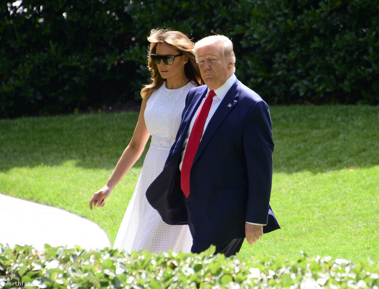 Ismét lekapták az amerikai elnököt és a feleségét, akikről már számtalan érdekes (vagy inkább kínos?) kép készült