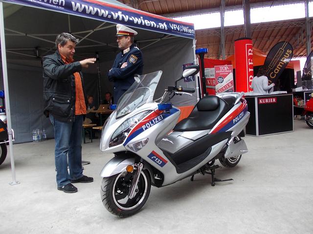 Elektromos rendőrrobogó