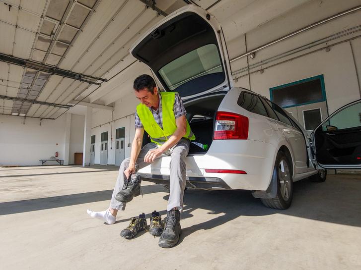 Juhász Csaba mérnökségvezető 29 éve indul szolgálatba. Az út illata nem ereszti