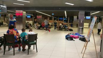 Nagy kavarodást okozott Ferihegy sérült kifutópályája