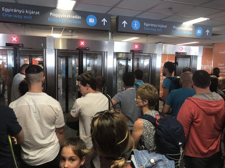 Zárt reptéri kapuk