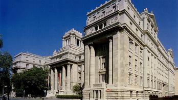 Bíróság kötelezte bocsánatkérésre a kormányt, egyelőre csak egy durcás közleményre futotta