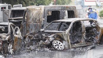 Kiégett roncsok maradtak a pénzszállító rablói után