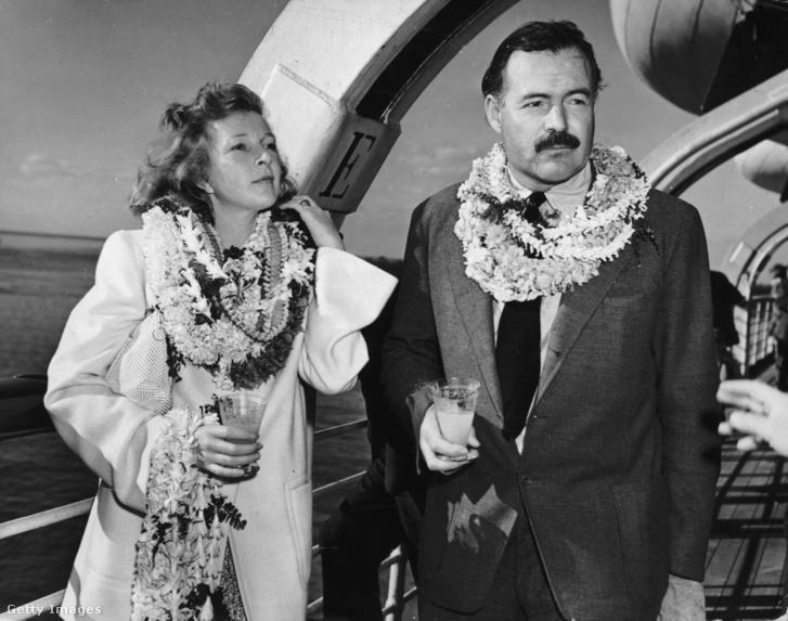 Martha Gellhorn és Ernest Hemingway egy hajó fedélzetén 1941-ben