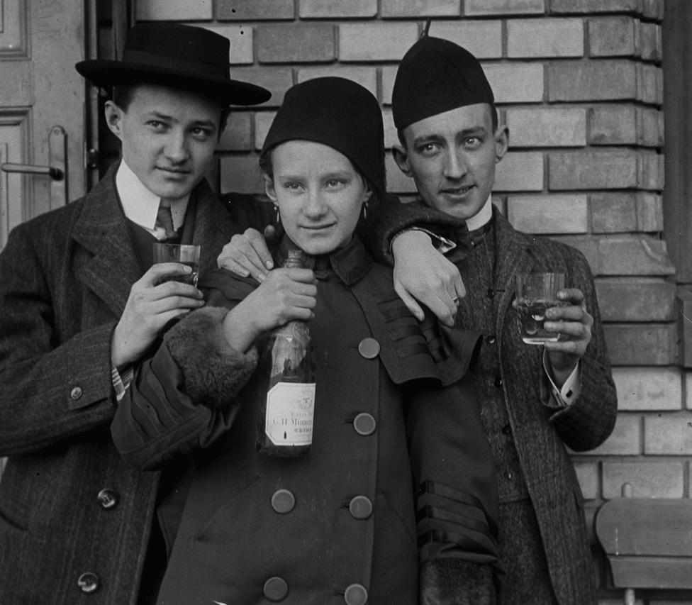 Schoch-fiúk a Bérc utcai nyaralóban, 1907
