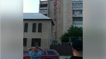 Összedőlt egy kilenc emeletes lakóház Moldovában