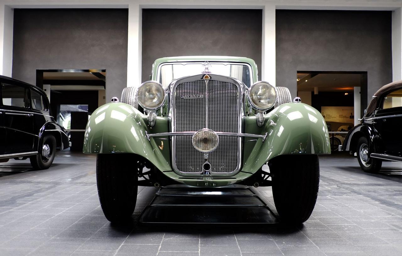 A háború után a kocsi előkerült, s 1950-ben Friedrichshafenben nekiláttak a felújításának, persze az akkori szinten, pár évnyi használhatóságot megcélozva - ekkor 54 286 kilométert mutatott a klométerszámláló