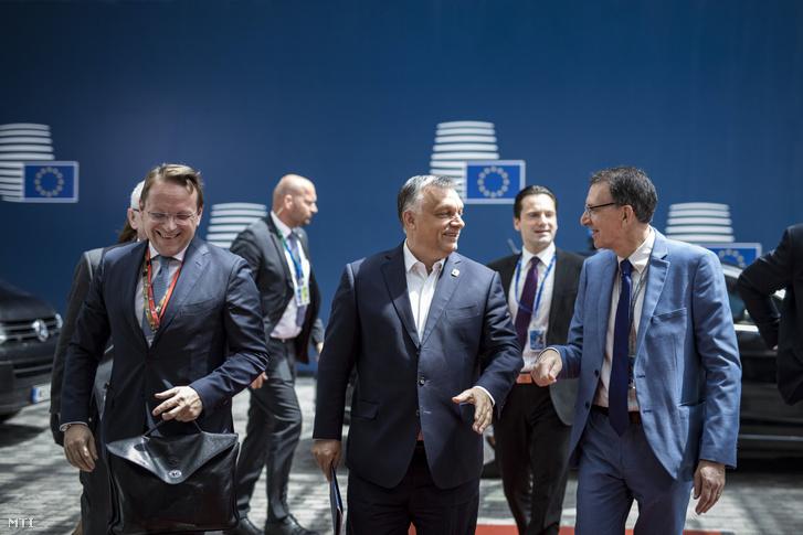 Orbán Viktor miniszterelnök (k) megérkezik a brüsszeli EU-csúcsra 2019. június 20-án.