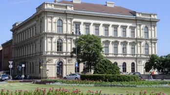 Az orosz beruházási bank székhelyeként Közép-Európa legdrágább irodaépületét emlegetik