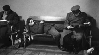 A betiltott ingázók helyén Hruscsov mosolygott