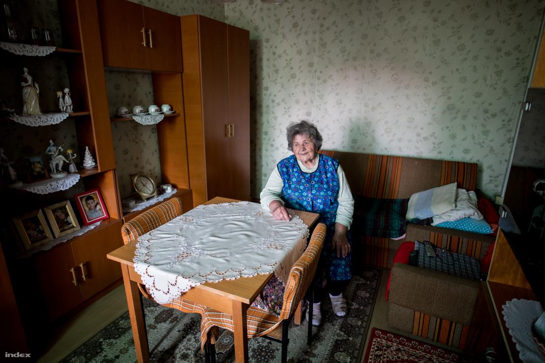 Eta néni, a nyugdíjas darus