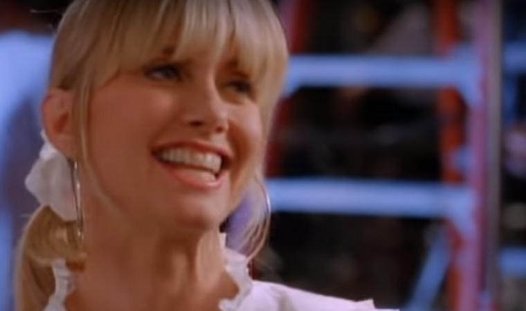 A klipben feltűnő egyik legnagyobb sztár a Grease színésznője, Olivia Newton-John,...