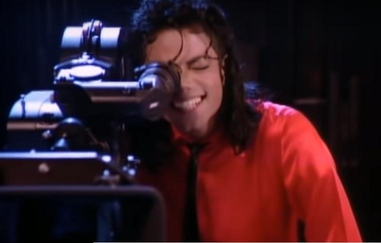 Július 3-án pontosan 30 éve, hogy megjelent Michael Jackson  Liberian Girl című száma, melynek a videoklipje az első olyan videoklip,  amiben több tucatnyi sztár tűnt fel