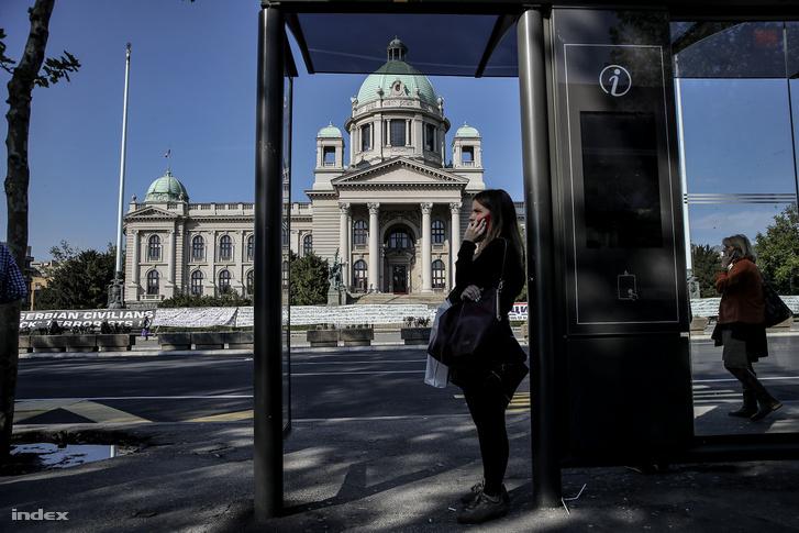 Az ellenzék hónapok óta nem vesz részt a belgrádi parlament ülésein