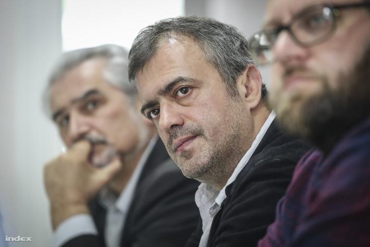 Trifunović azt mondja, abban jó, hogy embereket gyűjtsön maga köré