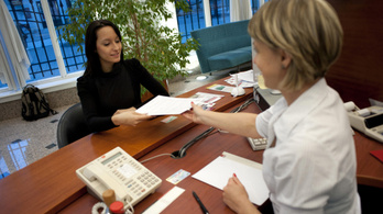 Elhalasztja a kormány a banki adategyeztetés határidejét