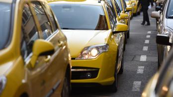 Több mint kétezer fővárosi taxis szállt ki a járvány miatt