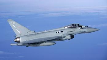 Vadászbombázókat küldtek egy utas miatt visszaforduló londoni géphez
