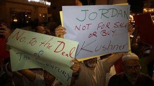 Amerika megvásárolná a közel-keleti békét