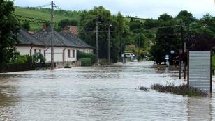 Fél óra alatt tóvá változott egy hevesi község