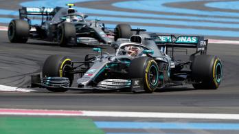 Hamilton rajt-cél győzelmét az utolsó kör dobta fel