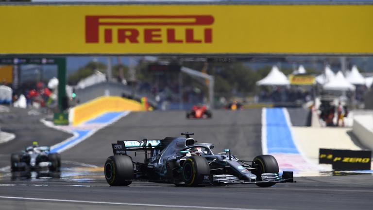 Egy kör verseny volt a Francia Nagydíj, Hamilton nyert