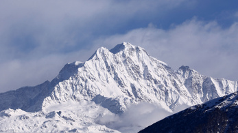 Megtalálták a májusban eltűnt hegymászók holttesteit a Himaláján