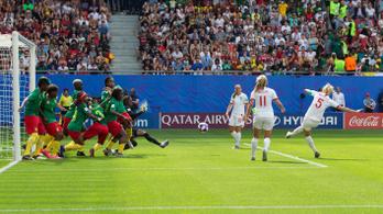 Teljes káoszba fulladt az Anglia-Kamerun meccs a női vébén