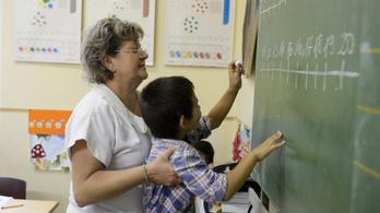 OECD-felmérés: Elöregedtek a magyar tanárok