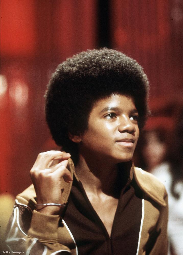 Michael Jackson karrierje a családi együttesükkel, a The Jackson 5-val indult, ahol már 6 éves korától énekelt