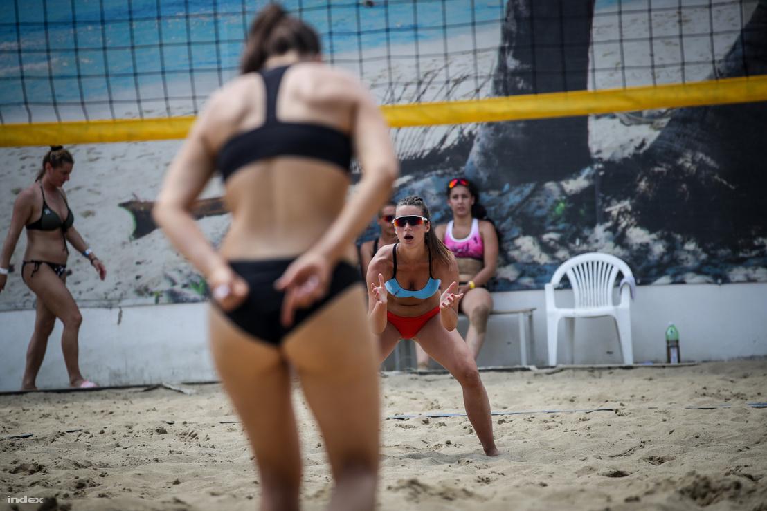 Kispesti strandröplabda játékosok 2019. június 23-án