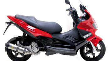 Közepes robogóból melyik a jobb vétel: az Aprilia vagy a Yamaha