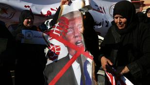 Kevésbé vallásos, de még mindig dühös Amerikára az arab világ