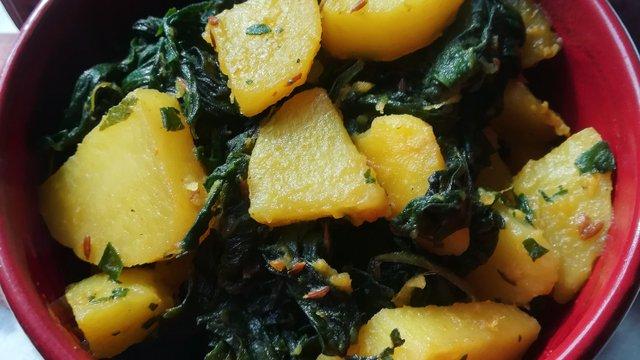 Száraz spenót-krumpli főzelék
