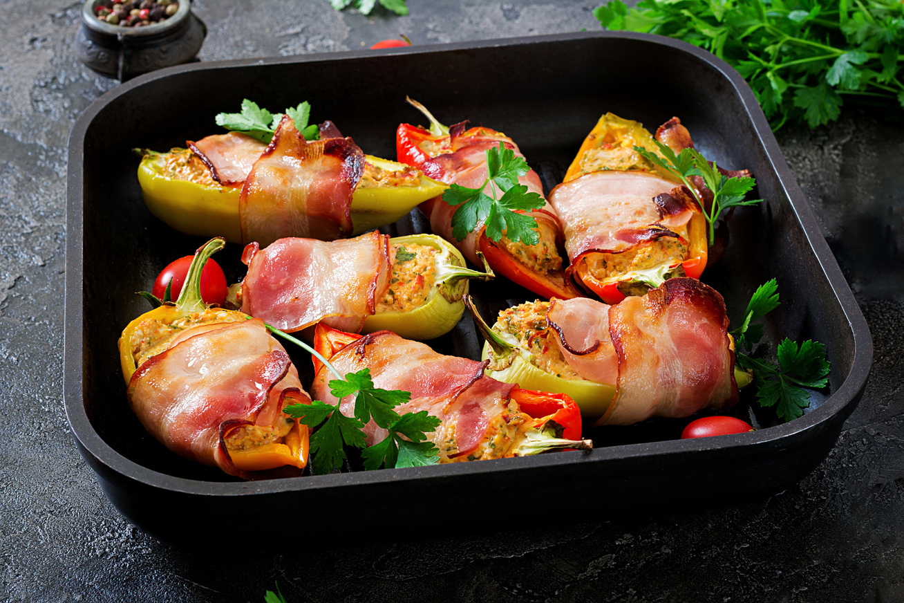 toltott-paprika-baconben