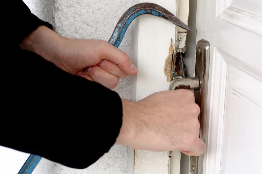 Így tedd betörőbiztossá az otthonodat nyáron: a rendőrség tanácsai