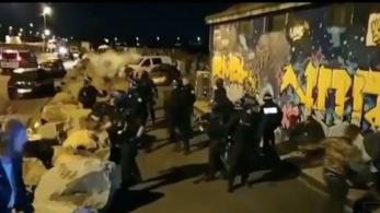 Erővel oszlattak fel egy folyó menti bulit a francia rendőrök, egy férfi eltűnt