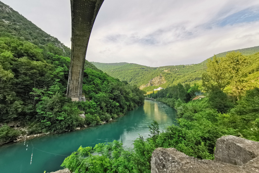 Egy mesebeli világ rejtőzik a szomszédban: Szlovéniában csodás kis falvak és smaragdzöld vizek várnak