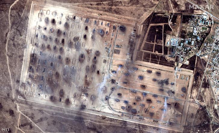 Műholdfelvétel a kazah hadseregnek a déli Turkesztán tartománybeli Arisz városnál levő lőszerraktáráról 2019. június 24-én