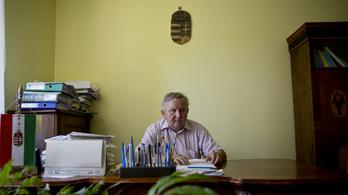 9 éve nem volt szabadságon Nagyoroszi polgármestere, fegyelmit indítottak ellene