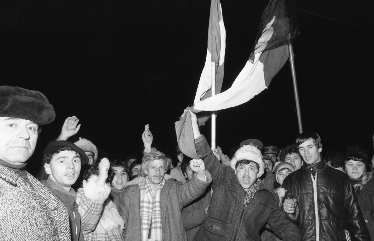 Felkelők Arad határában 1989 decemberében.