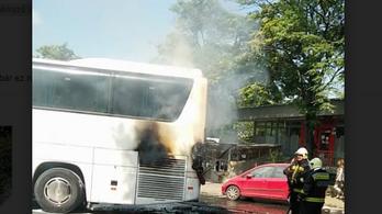 A XII. kerületben is kigyulladt egy busz hegymenetben