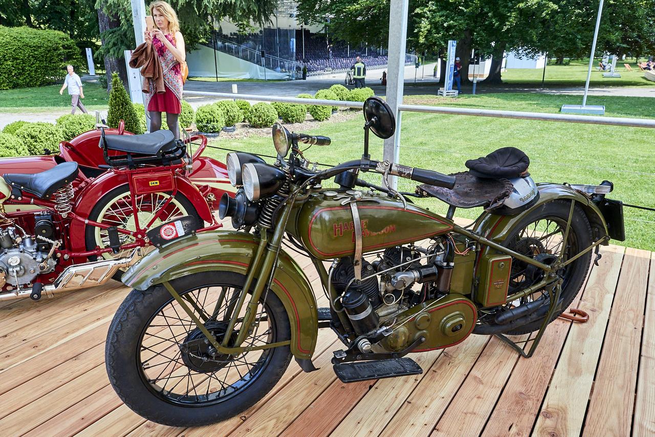 1929-ben rendezték az első Concorsót, ezért az abban az évben készült motorkerékpároknak külön kategóriát szenteltek, ez egy Harley-Davidson 29-D. A cég 750-es, oldalszelepelt V2-es blokkját egészen 1973-ig használták