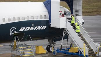 Újabb hibaforrást találtak a végzetes Boeing-típuson