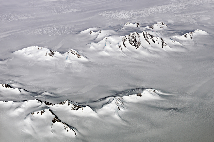 Különös dolgot fedeztek fel a grönlandi jég alatt: eddig a tudósok elől is rejtve volt