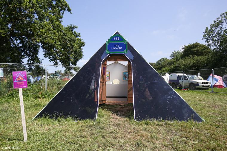 Elég extra illemhelyet készítettek a somerseti Glastonbury fesztiválra