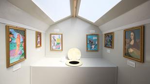 Louvre témájú pottyantós várja a Glastonbury fesztivál résztvevőit